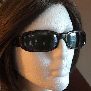 Ray-Ban Sidestreet Sunglasses Women's